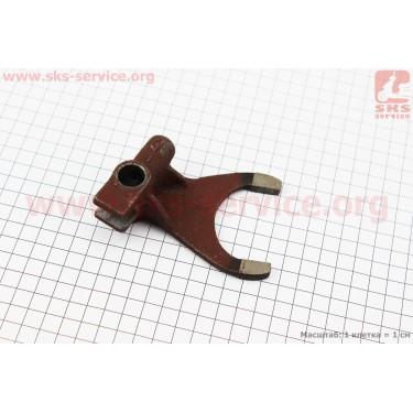 Вилка повышенной/пониженной передачи КПП DongFeng 244/240 (200.37.211) [Китай]